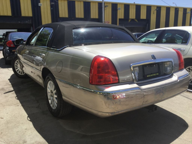 LINCOLN TOWN CAR 2003 price $525