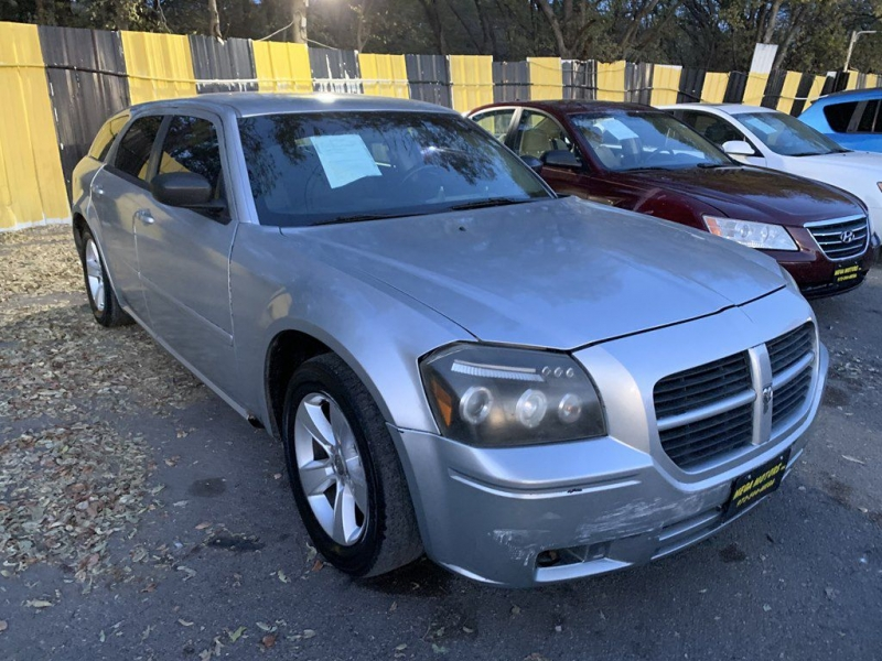 Dodge MAGNUM 2005 price $525 Down