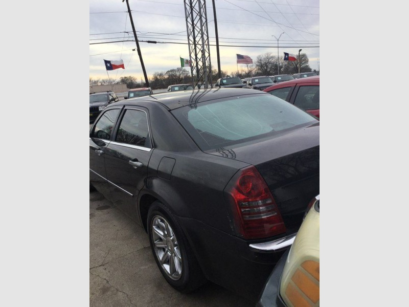 CHRYSLER 300C 2005 price $825