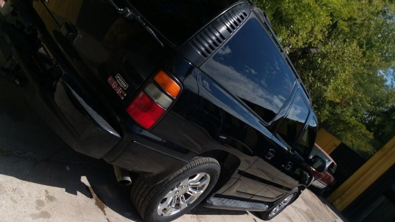 GMC YUKON XL 2005 price $1,025 Down