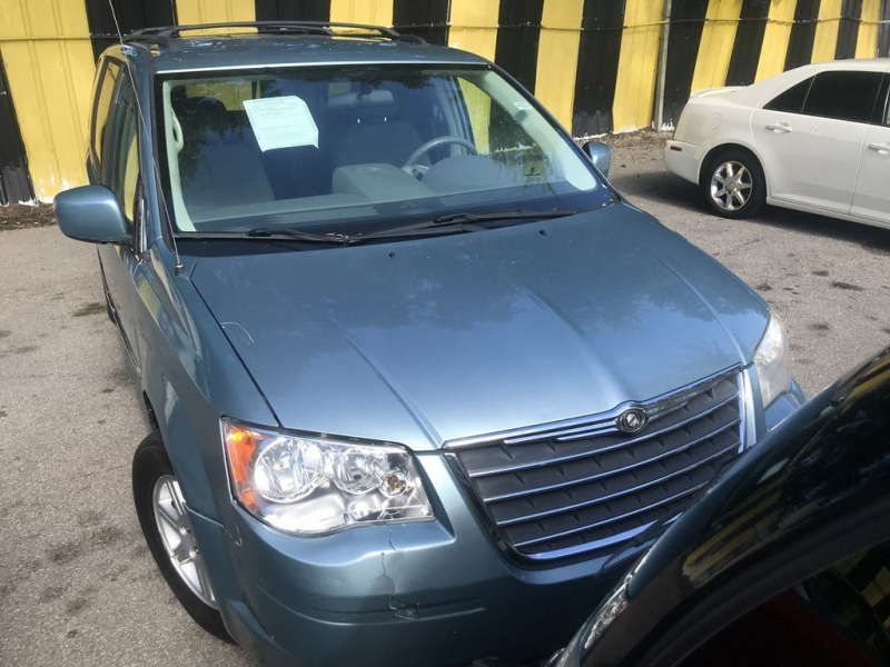Chrysler TOWN & COUNTRY 2010 price $725 Down