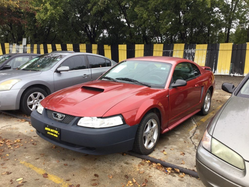 FORD MUSTANG 2001 price $399