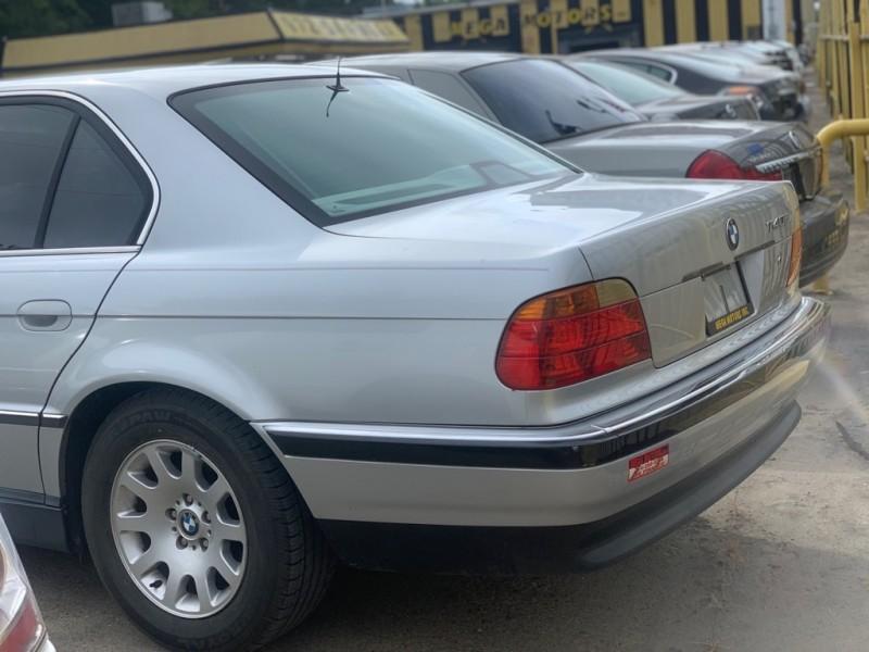 BMW 740 1999 price $1,025