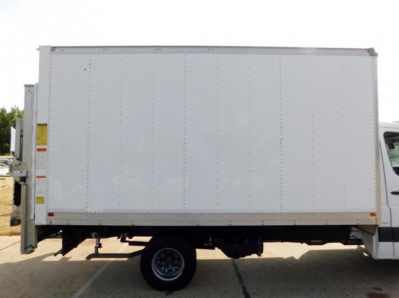 Mercedes-Benz Sprinter Diesel 14-ft Box Truck Van 2011 price $27,900
