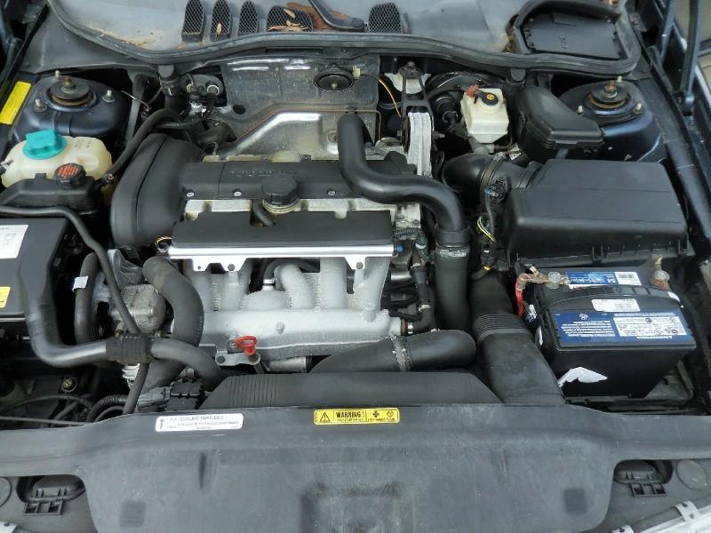 Volvo C70 2004 price $2,900