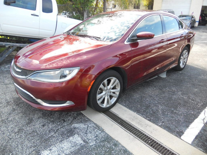 CHRYSLER 200 2015 price $8,549