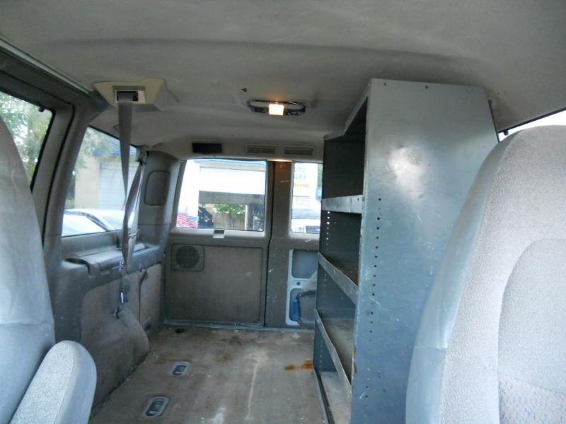 CHEVROLET ASTRO 2001 price $2,900