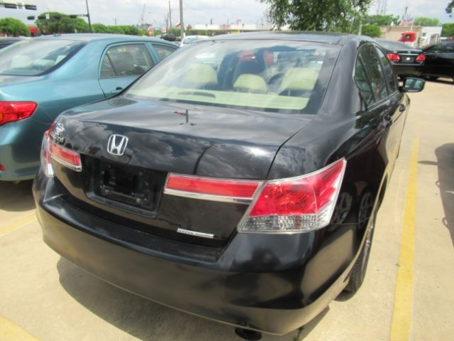 Honda Accord Sdn 2011 price Call for Pricing.