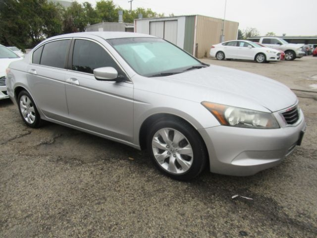 Honda Accord Sdn 2009 price Call for Pricing.