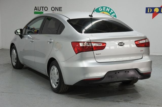 Kia Rio 2016 price Call for Pricing.