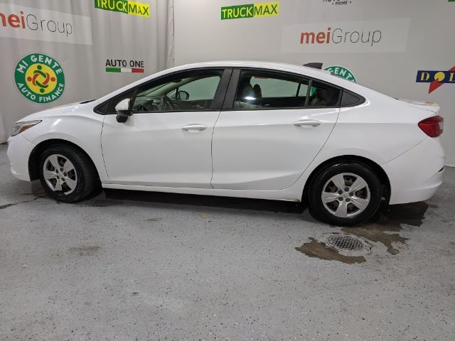 Chevrolet Cruze 2017 price Call for Pricing.