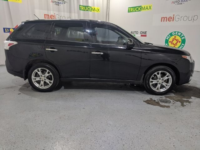 Mitsubishi Outlander 2014 price Call for Pricing.