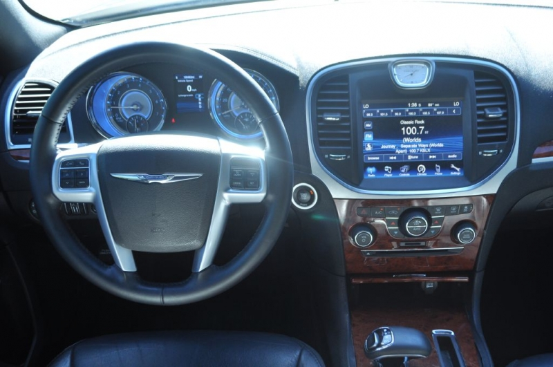 Chrysler 300 2014 price $10,132