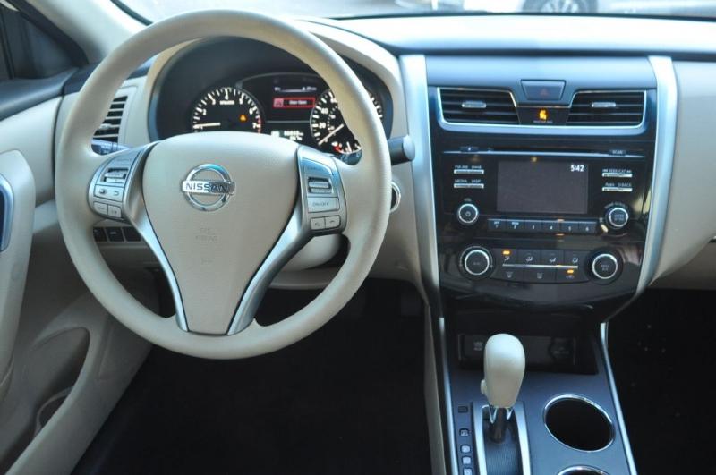 Nissan Altima 2015 price $10,257