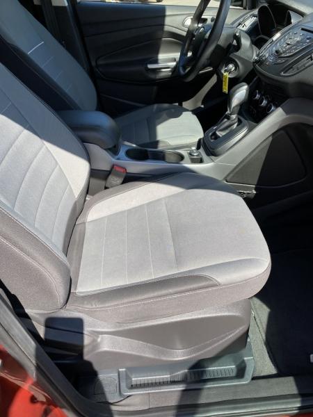 Ford Escape 2015 price $9,415