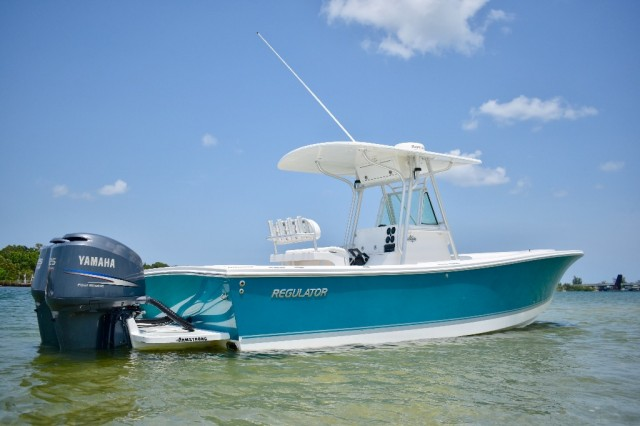 2004 REGULATOR 26FS CENTER CONSOLE BOAT Other
