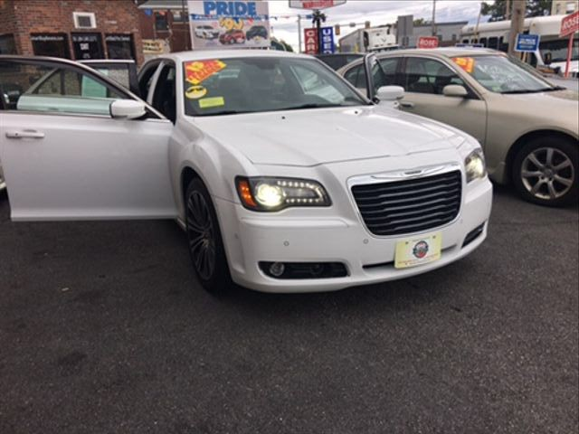 Chrysler 300 2013 price $13,175