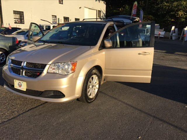 Dodge Grand Caravan Passenger 2015 price $10,950