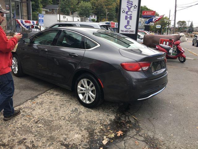 Chrysler 200 2016 price $9,950