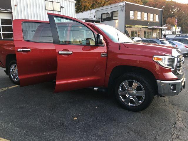 Toyota Tundra CrewMax 2018 price $42,950
