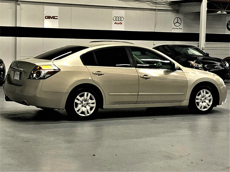 Nissan Altima 2009 price $4,900