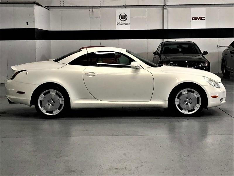 Lexus SC 430 2002 price $10,950