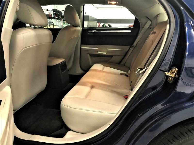 Chrysler 300-Series 2006 price $6,995