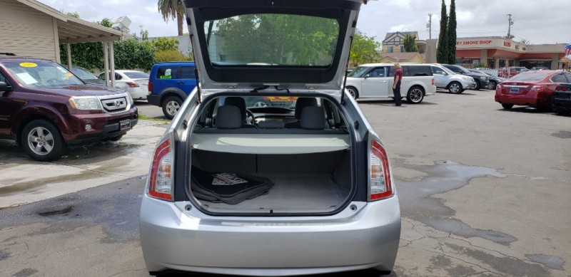 Toyota Prius 2012 price $9,935