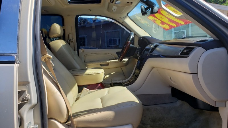 Cadillac Escalade 2007 price $9,999