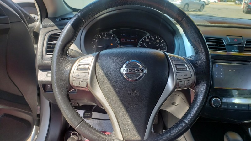Nissan Altima 2014 price $10,499