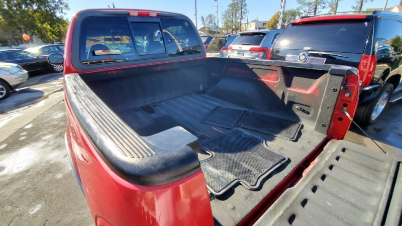 Ford F-150 SuperCrew 2001 price $6,499