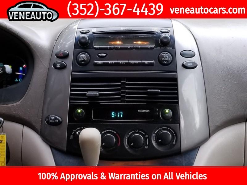 Toyota Sienna 2010 price $6,900