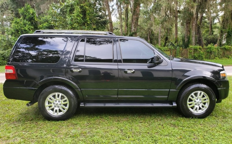 Ford Expedition 2013 price $16,900