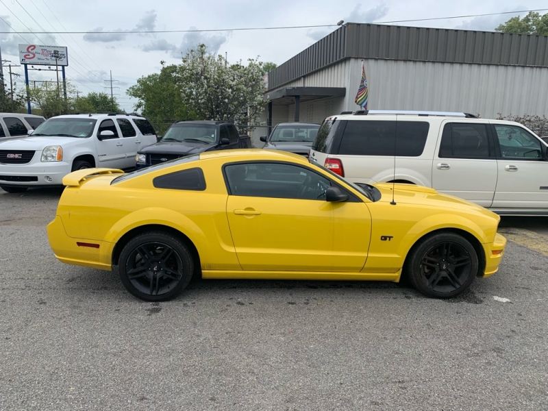 Ford Mustang 2006 price $10,077