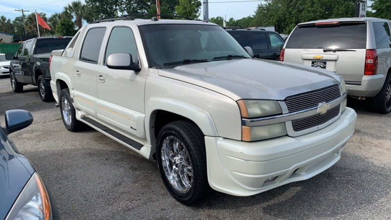 Chevrolet Avalanche 2005 price $7,094