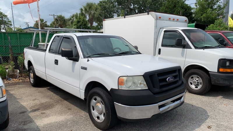 Ford F-150 2006 price $7,684
