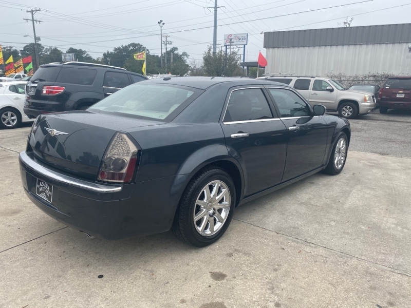Chrysler 300 2007 price $8,974