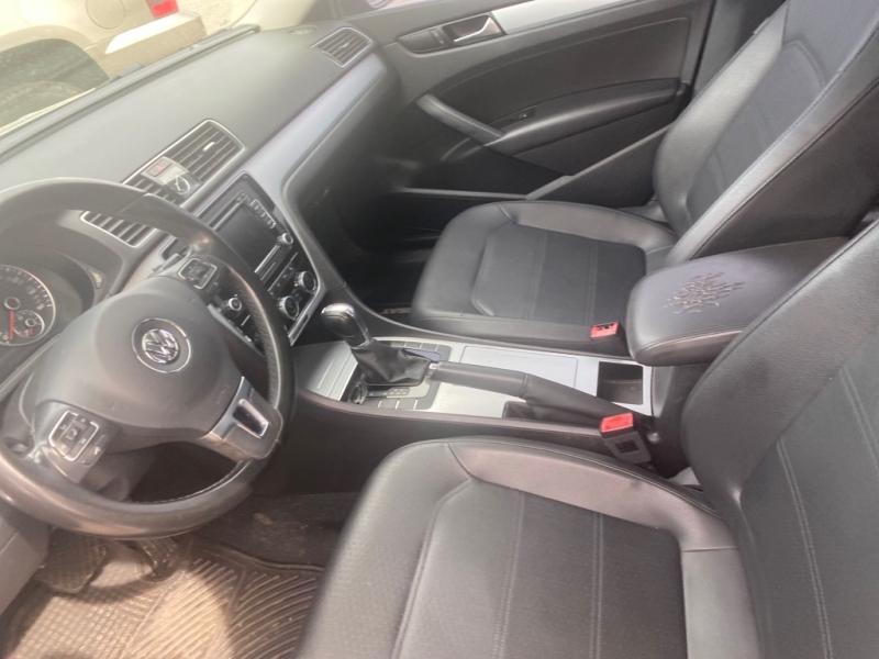 Volkswagen Passat 2012 price $9,994