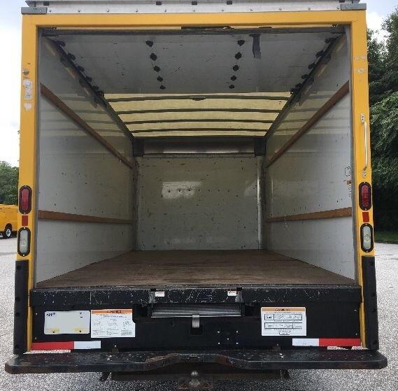 2014 GMC Savana Commercial Cutaway 3500 Van 177