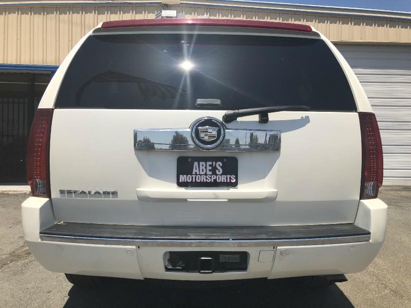 Cadillac Escalade 2007 price $10,999