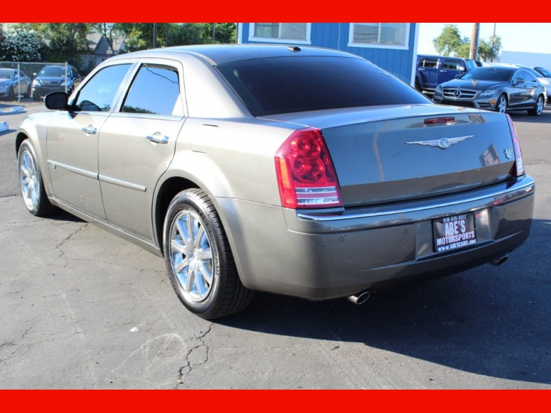 Chrysler 300 2010 price $7,500