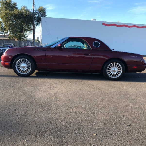Ford Thunderbird 2004 price $7,999