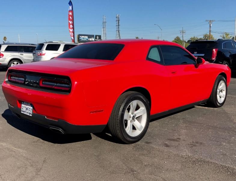 Dodge Challenger 2016 price $14,999