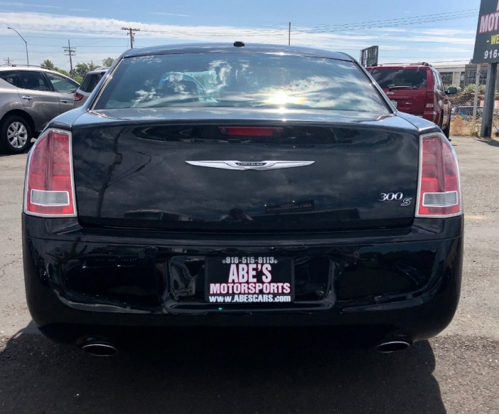 Chrysler 300 2013 price $11,999