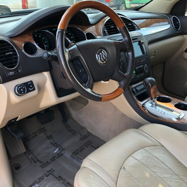 Buick Enclave 2009 price $10,500