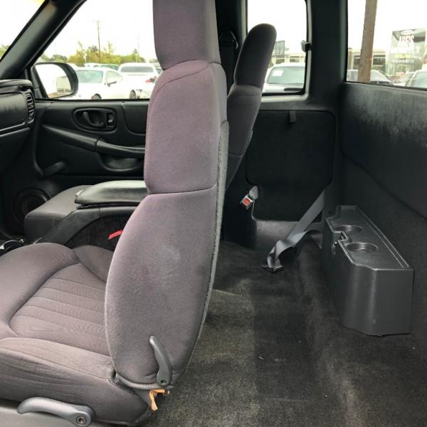 Chevrolet S-10 2003 price $6,999