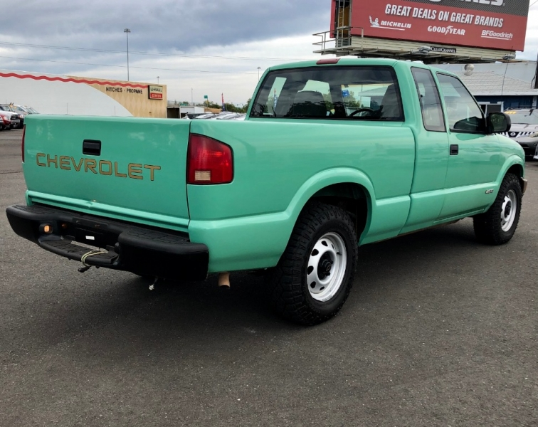 Chevrolet S-10 2002 price $6,999