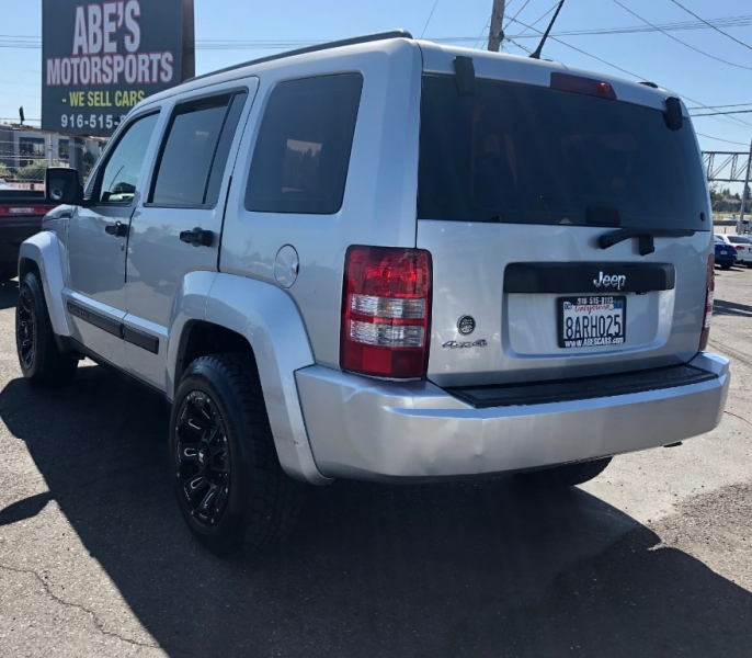 Jeep Liberty 2012 price $8,500