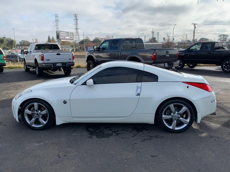 Nissan 350 Z 2006 price $10,999