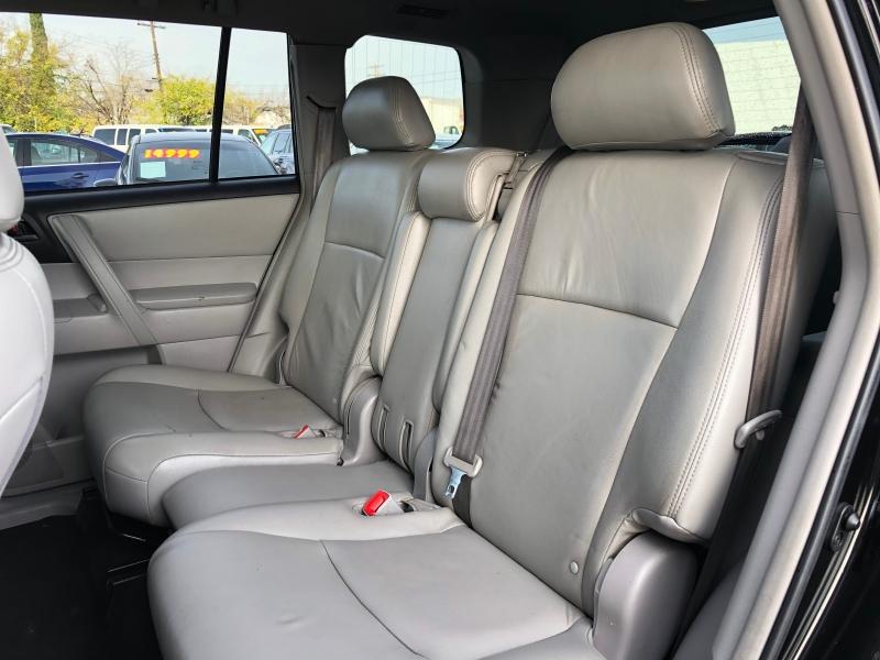 Toyota Highlander 2013 price $11,999
